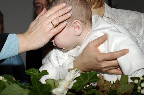 Chrzest Święty - jaka pamiątka będzie odpowiednia?